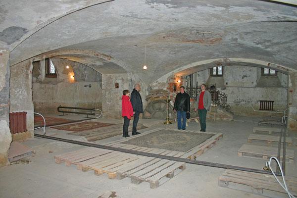 В пещерном храме сделано отопление и уже проходят службы