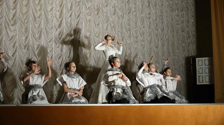 Новогодняя сказка «Снежная королева» театральной студии «КОТ » лицея № 410