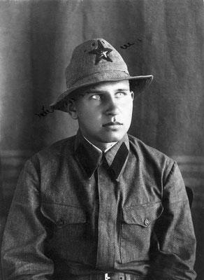 Борис Скуратов в мае 1941 года на Кавказе