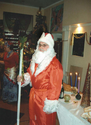 В женском коллективе Владимир Викторович становился настоящим Дедом Морозом