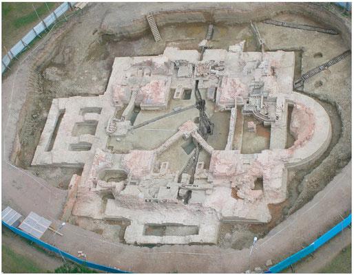 Общий вид раскопа основания Екатерининского собора. 2007 г.