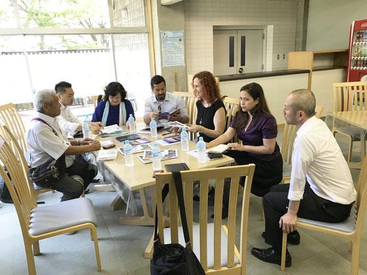Reunião co representantes do Consulado Geral do Brasil em Tóquio, NPO-Oizumi Kokusai Kyouiku Gijutsu Fukyuu Center e Promotion Brasil.
