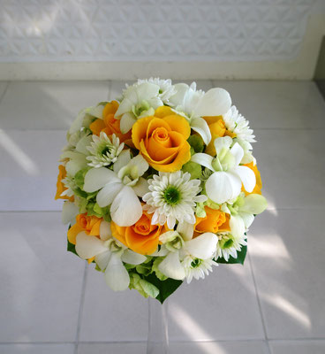 ウェディングブーケ ラウンド ホワイト オレンジ