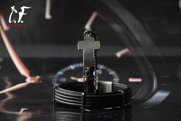 Clochard Fashion - Lederarmbänder schwarz kombiniert mit Edelstahlelemente/Gravurplatte (Kreuz)