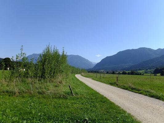 Panoramablick vom Feldweg von Anger nach Anger-Aufham