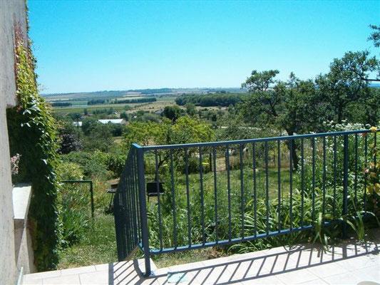 Terrasse du gîte l'Alambic de Montsec en Meuse