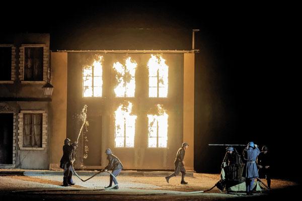 Spectacle son et lumière - Des flammes à la lumière Verdun