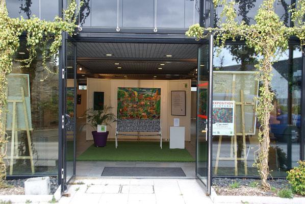 Entrée de l'exposition soutenue par Edelweiss paysages dont le siège est à Montreuil-Juigné lieu de cet événement