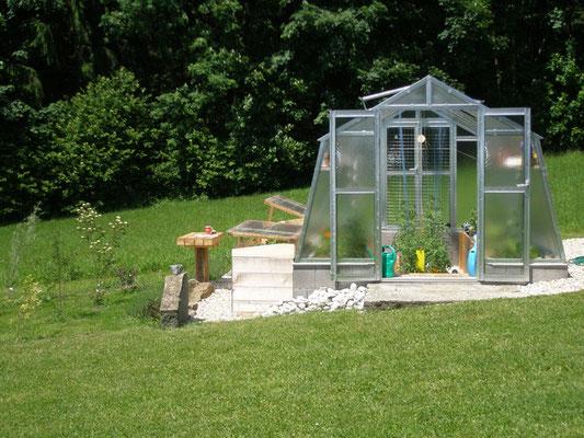 glashaus mit hochbeeten naturverbunden leben. Black Bedroom Furniture Sets. Home Design Ideas