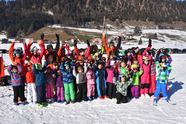 Gruppenbild Zwergerlskikurs Skiteam Heufeld 2016.