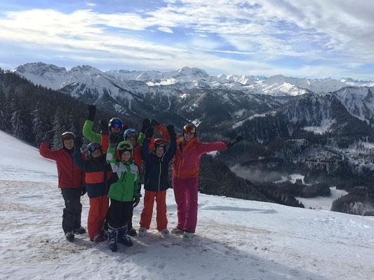 Ski-Freizeitgruppe des SV DJK Heufeld auf dem Gipfel im Spitzing 2019