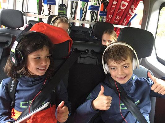 Mit dem Vereinsbus des Skiteam Heufeld zum Skifahren auf die Piste