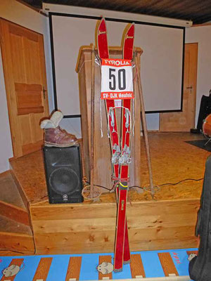 50 Jahre Sparte Ski - Relikte aus der Anfangszeit.