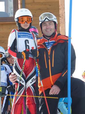 Ski-Rennteam SV DJK Heufeld. Betreuung am Start inklusive