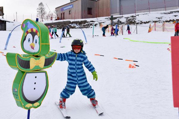 Pinguin im Kinderland Skiteam Heufeld abgeklatscht