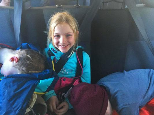 Ski-Freizeitgruppe des SV DJK Heufeld Rückfahrt vom Ausflug im Bus 2019
