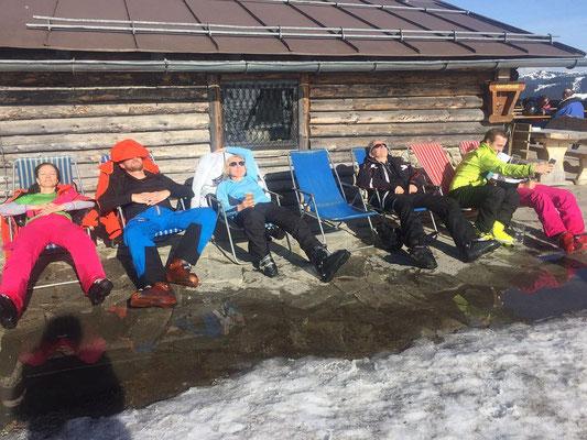 SV DJK Heufeld Skifreizeit. Relaxen an der Skihütte.