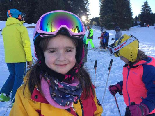 Lachendes Kind beim Skikurs 2020 des Skiteam SV DJK Heufeld