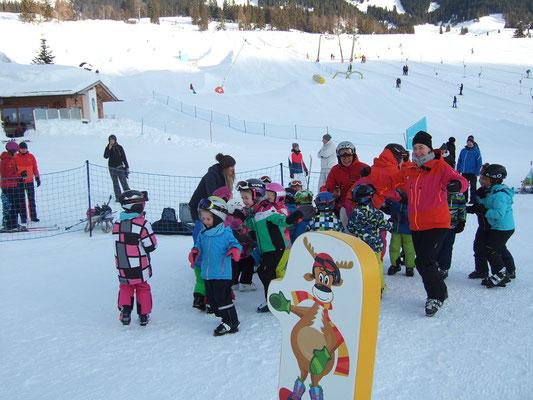 Skikurs für Kinder ab 4 Jahre in Bruckmuehl beim Skiteam Heufeld.