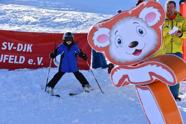 Kinderskikurse beim Skiteam SV DJK Heufeld in Bruckmühl.