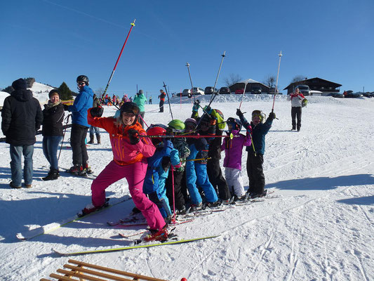 Gaudiwurm beim Zwergerlkurs Skiteam SV DJK Heufeld 2018