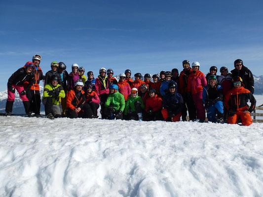Viele Teilnehmer beim Skiausflug des Skiteams 2018