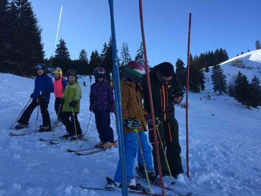 Start zum Abschlussrennen beim Skikurs Skiteam Heufeld am Rankenlift