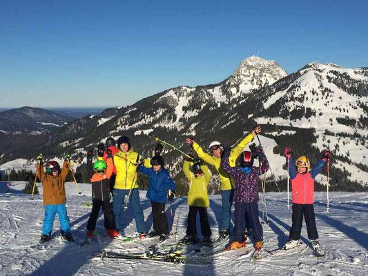 Gruppenfoto Skikurs für Kinder beim SV DJK Heufeld
