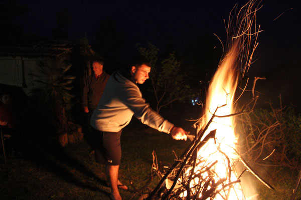 an unserer Feuerschale