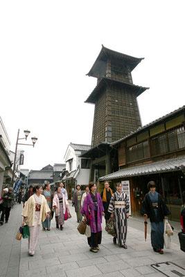 毎月28日は川越きもの散歩。11時に成田山別院の蚤の市に集合です。