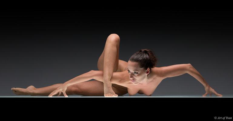La belle contorsionniste # 01