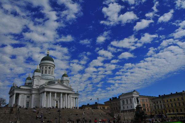 Lutheranische Kathedrale auf dem Hauptplatz der Hauptstadt Finnlands Helsinki