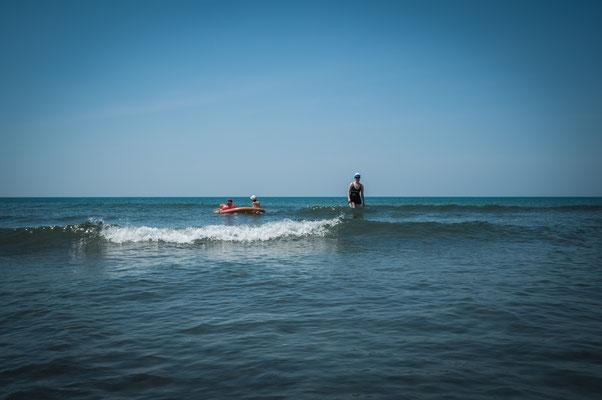 Das unvergessliche warmes Meer in Ulcinj von Montenegro