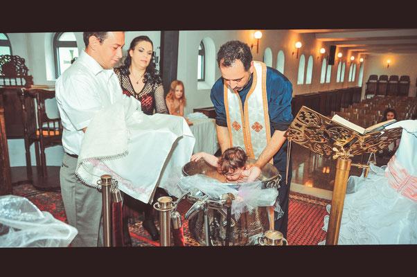 Das Kind wird getauft
