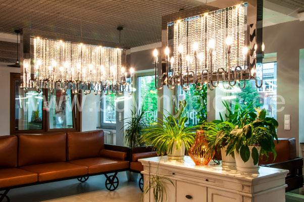 Living Design für das Gewerbe und Wohnen, Deckenleuchten der besonderen Art, Spezialgeschäft