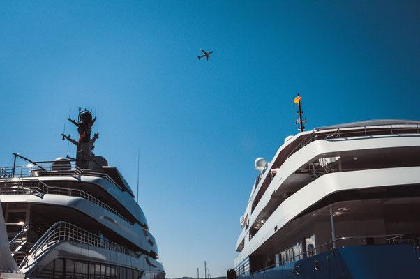 Zwei riesen Yachten