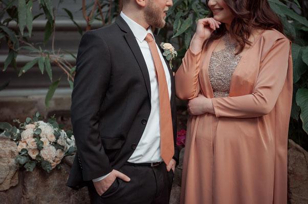 Brautpaar vor der Hochzeit entspannt und natürlich