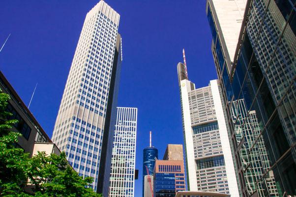 Skyline Frankfurt am Main Bürogebäude mitten im Banken-Viertel der Finanzmetropole