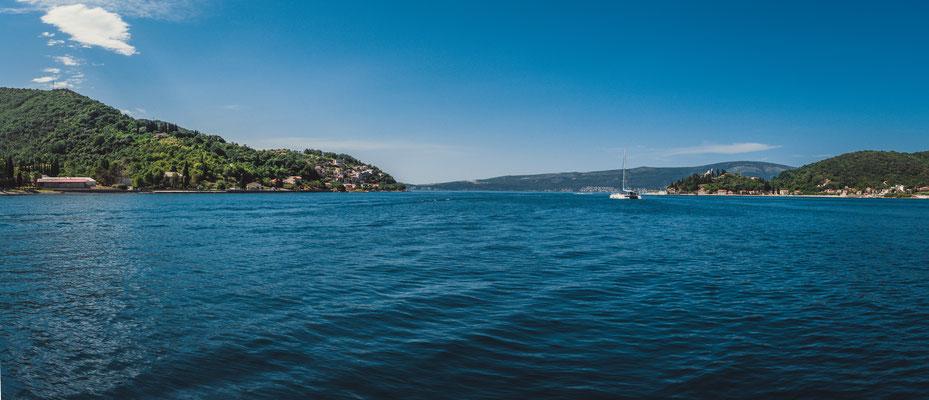 Schönheiten der Bucht von Kotor vom Boot aus
