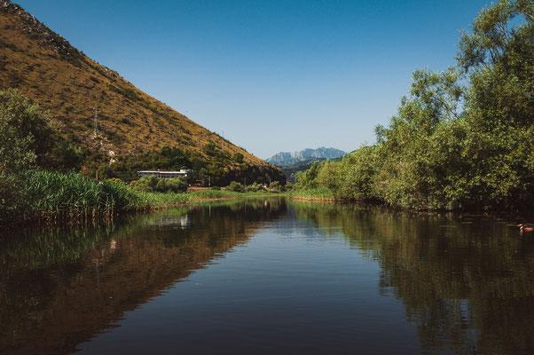 Dem Fluss Moraca entlang