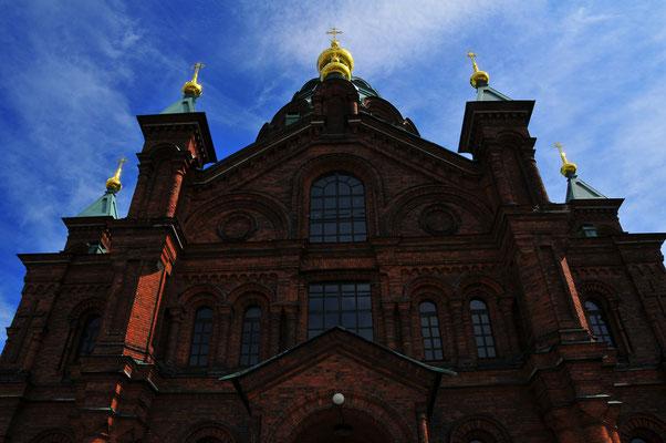 Russische Orthodoxe Uspenski Kathedrale auf Hügel auf der Halbinsel Katajanokka in der Hauptstadt Finnlands Helsinki