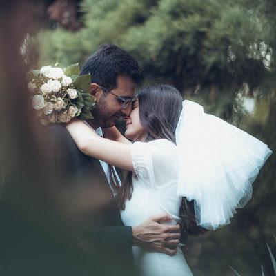 Hochzeitsfotograf und Hochzeitsvideograf für kurzes Fotoshooting oder für den ganzen Tag