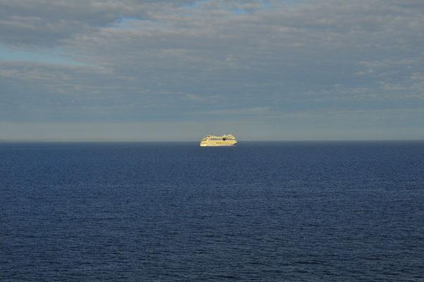 Kreuzfahrtschiff im Baltischen Meer in der Weite