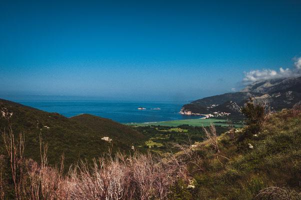 Schöne Aussichten entlang der Küste von Montenegro