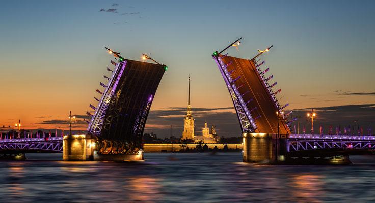 Fotoshooting Reise mit Brautpaar nach Sankt Petersburg in Russland