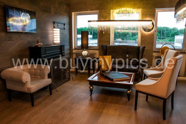 Gemütliche Innenausstattung in einem Möbelgeschäft, Exklusive Möbel und ein besonderes Interieur für Ihren Wohnraum