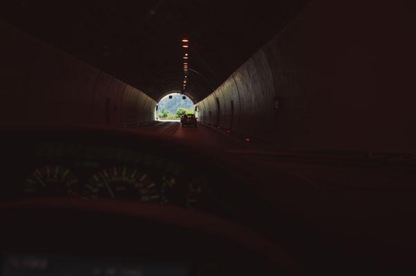 Der Auto-Tunnel von Burmani aus in Richtung Podgorica