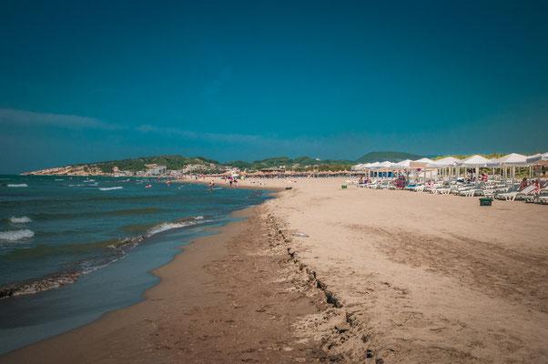 Ulcinjund 14 Kilometer Strand aus dem feinsten schwarzen vulkanischen Sand