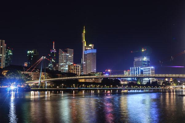 Mainhatten in der Nacht so schön kann Frankfurt am Main