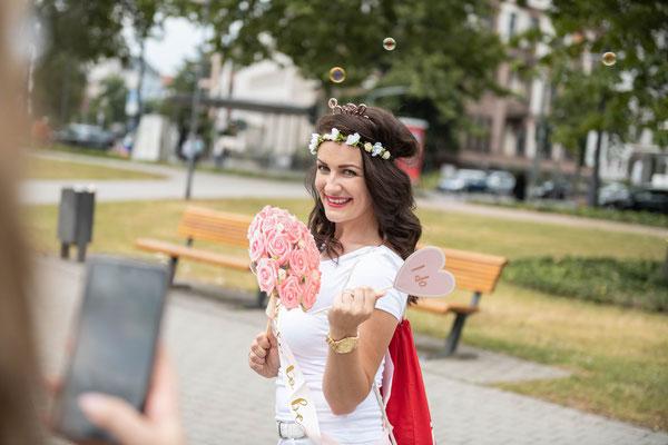 Videograf in Schweinfurt für Mädel- und Männer-Abend vor der Hochzeit